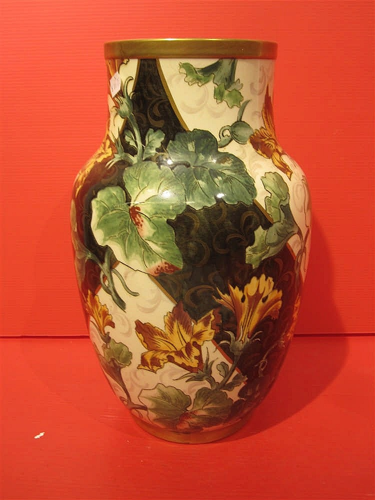 vase en faience de kg luneville a decor de fleurs hauteur. Black Bedroom Furniture Sets. Home Design Ideas