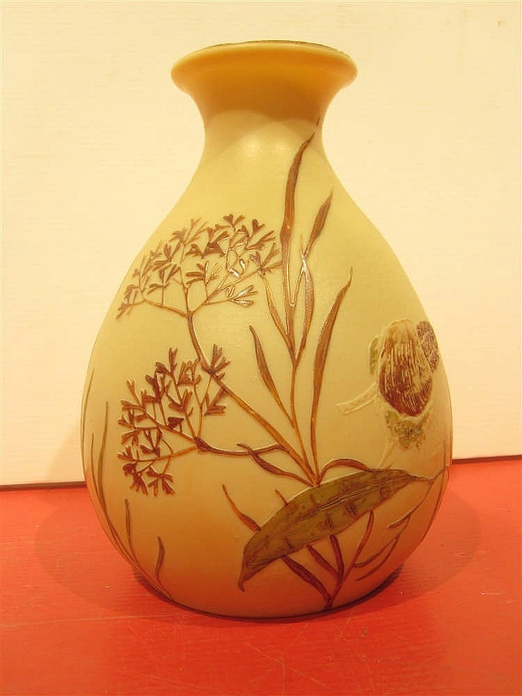 legras rare vase en verre multicouche a decor floral grave. Black Bedroom Furniture Sets. Home Design Ideas