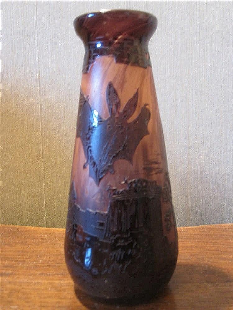 Petit Vase En Verre Grave A L 39 Acide A Decor D 39 Un Paysage De