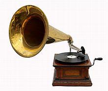 Horn Gramophone HMV Monarch