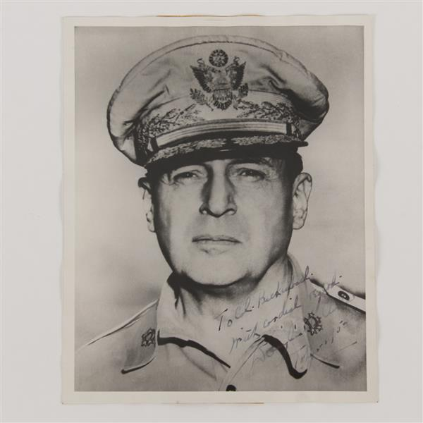 General Douglas MacArthur signed photo 1950