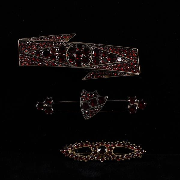 Victorian garnet jewelry 3pc.; pins.
