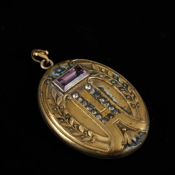 Art Nouveau Victorian jeweled locket