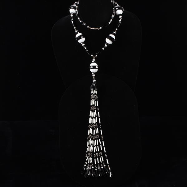 Black & White French Art Deco Flapper Necklace with Czech glass & jet beads