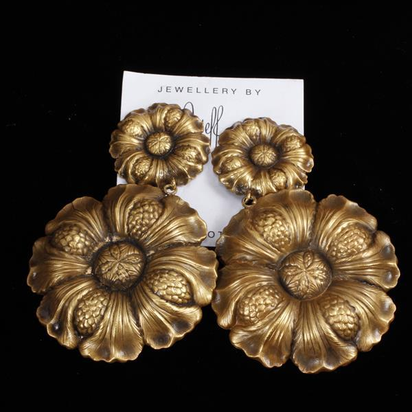 Joseff of Hollywood Gold Tone Flower Clip Earrings