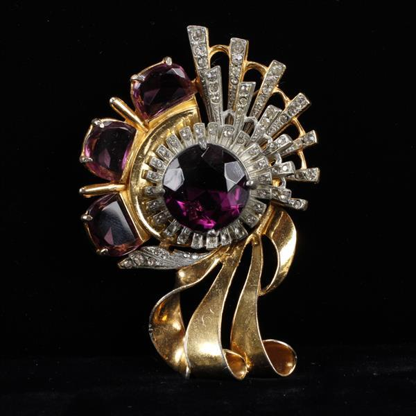 Reinad Gold Tone Scrolling Diamante Floral Brooch Pin with Amethyst Crystal Jewels.