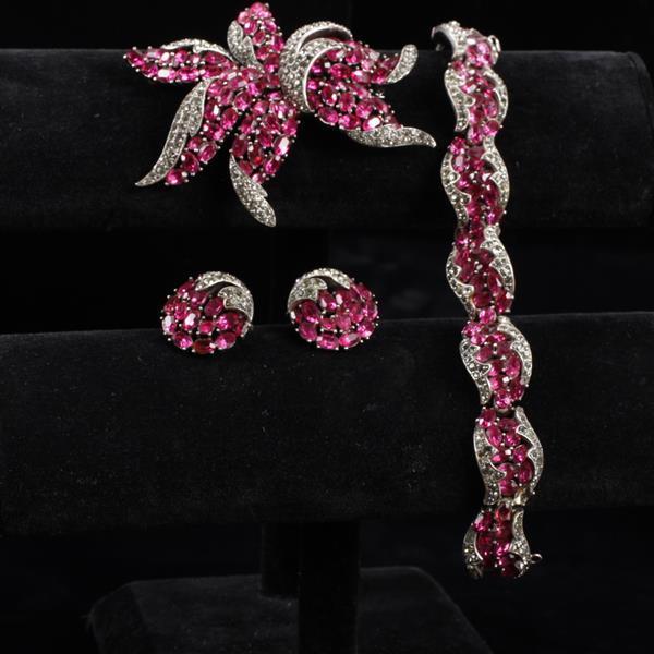 Trifari 3pc Demi Parure; Pink Fuchsia Rhinestone & Pave Set; Necklace, Brooch Pin, & Clip Earrings