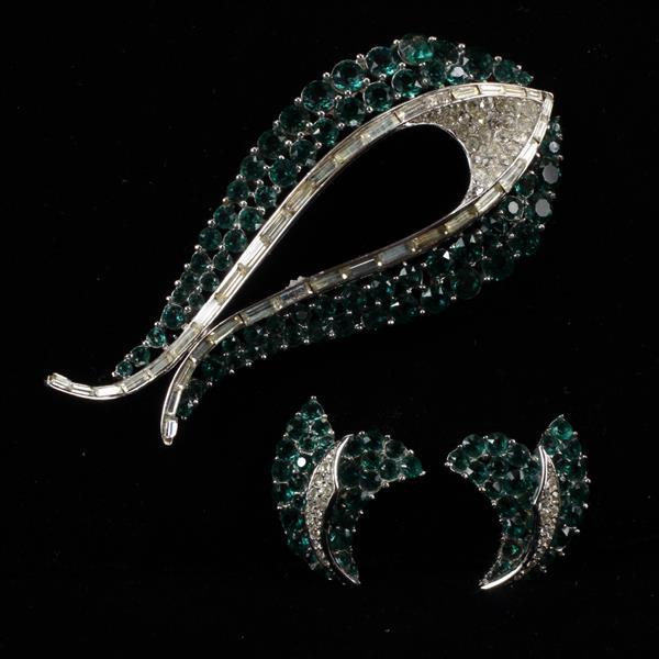 Trifari 3pc. Pave Emerald Rhinestone brooch pin & clip earrings