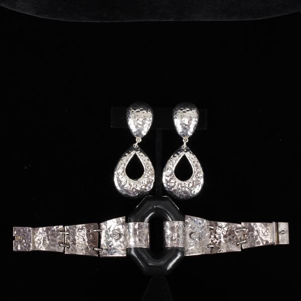 Designer Hammered Sterling Silver Modernist Jewelry; Link Bracelet & Simon Sebbag SSD Hollow Clip Earrings.