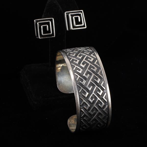 Mexico 925 Sterling Silver cuff bracelet with geometric pattern and modernist square coil earrings.