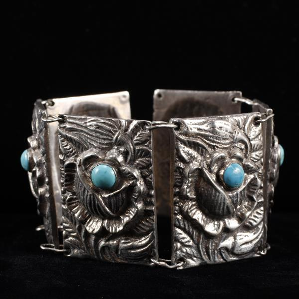 Mexican Silver & Turquoise Chunky link bracelet with embossed rose motif.