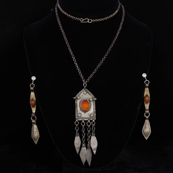 Turkoman / Turkmen Necklace & Clip earrings with Carnelian.
