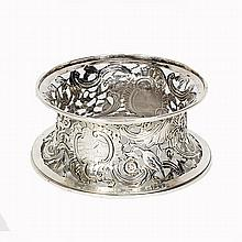 Irish sterling silver reticulated fruit bowl stand / dish ring.