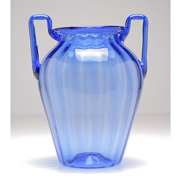 Venini Murano soffiati art glass vase, in the style of Martinuzzi.