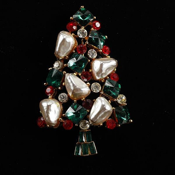 MYLU Jeweled Christmas Tree Brooch with faux pearls