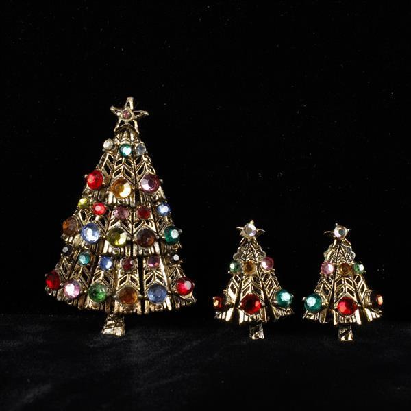 Hollycraft 2pc. Rhinestone Christmas Tree Brooch Pin & Clip Earrings