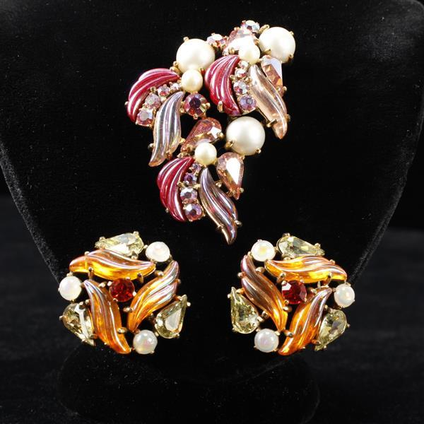 Schiaparelli 2pc. co-ordinating pin brooch and earrings; iridescent pink & orange with faux pearls.
