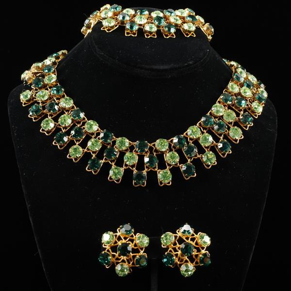 Vogue 3pc Parure; Green Jeweled Collar Necklace, Bracelet, & Clip Earrings