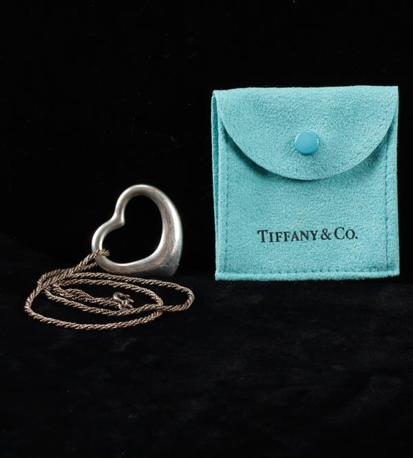 Elsa Peretti Tiffany & Co. Sterling Silver Open Heart Pendant Necklace