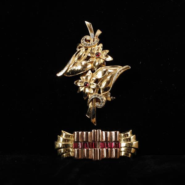 Two Gold Tone Coro Duette Retro Art Deco Floral & Decorative Brooch Clips.