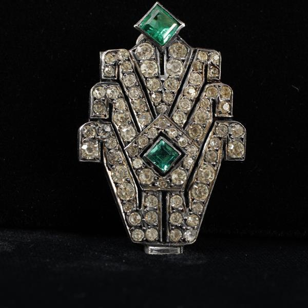 French Art Deco Diamante Paste Fur Clip with Emerald Green Jewels; sterling silver hallmark.