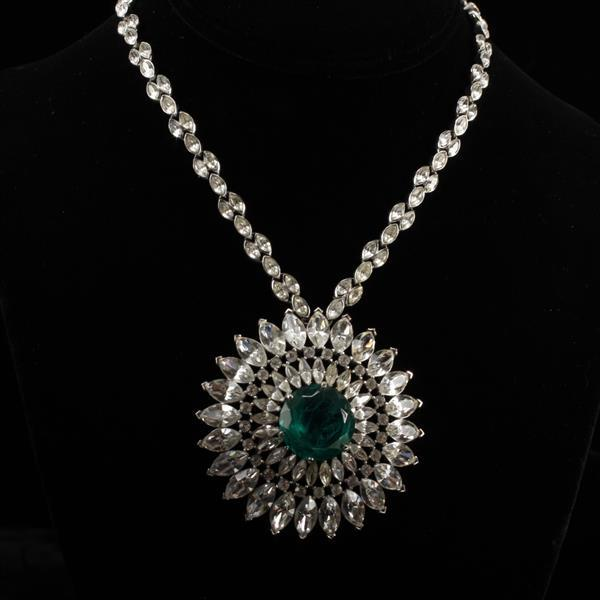 Trifari Silvertone Emerald / Gripoix Jewel & Rhinestone Pendant Necklace