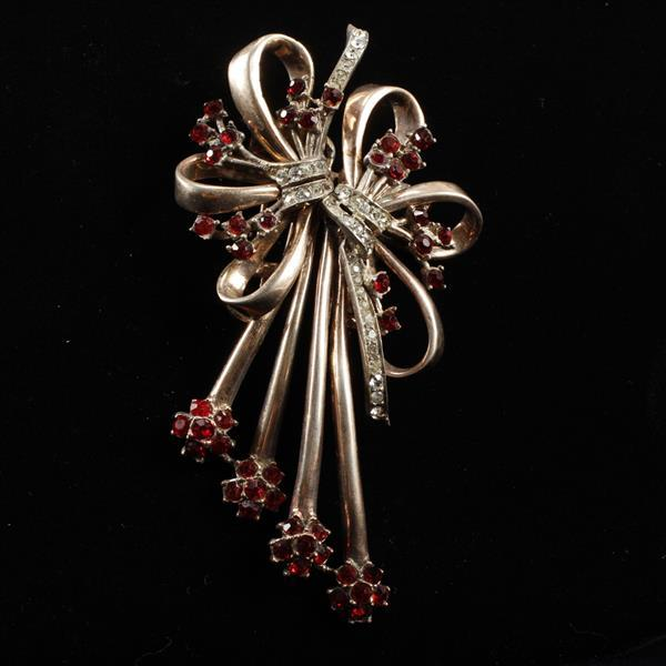Coro Duette Sterling Vermeil Retro Fur Clip Brooch; Bow Spray with Red & Clear Rhinestones.
