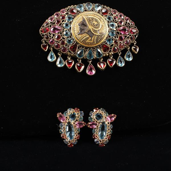 Unmarked Fashioncraft Robert? 1940s 2pc. Pink & Blue Jeweled Brooch Pin with Gilt Greek Soldier Medallion & Clip Earrings