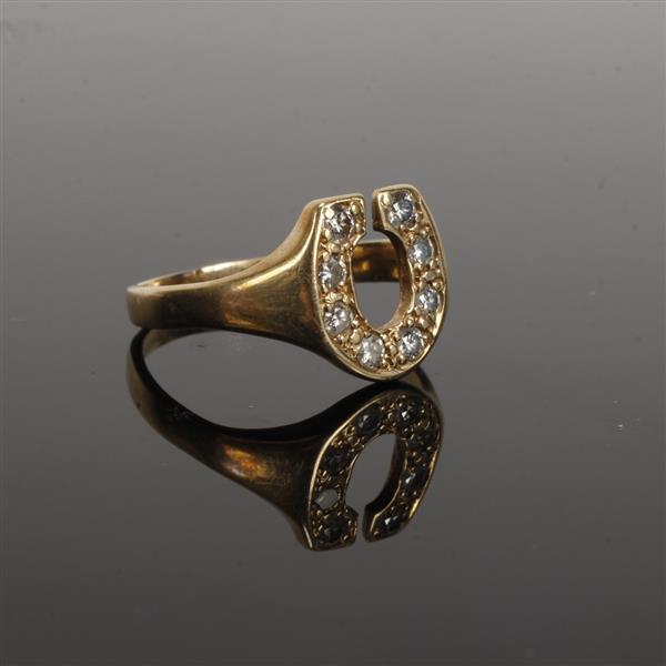 gold horseshoe ring with diamonds 2 5 dwt