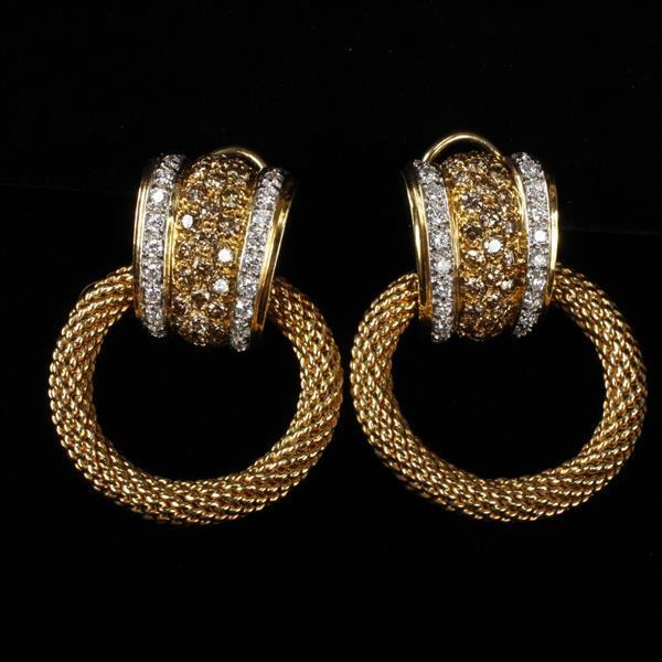 David Yurman 18K yellow gold convertible earrings with champagne and white diamonds.
