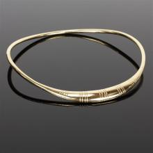 Yellow gold 14K Modern hollow hinged collar necklace.