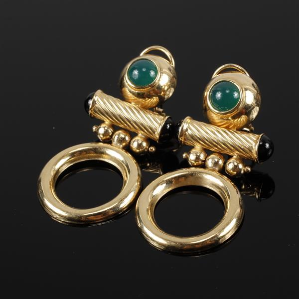 Yellow Gold 14K Modern Contemporary Bright Finish Circle Drop Earrings with chrysoprase and onyx cabochons. 2