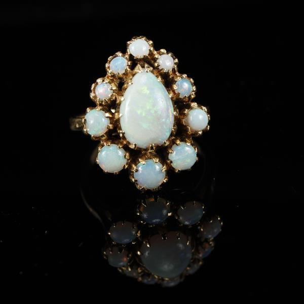Yellow Gold 14K Blue / Green jelly opal vintage modern estate ring Size 5
