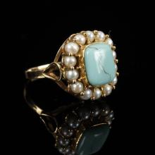 Vintage Retro yellow gold ring with square polished turquoise stone and pearls. Size 6.5