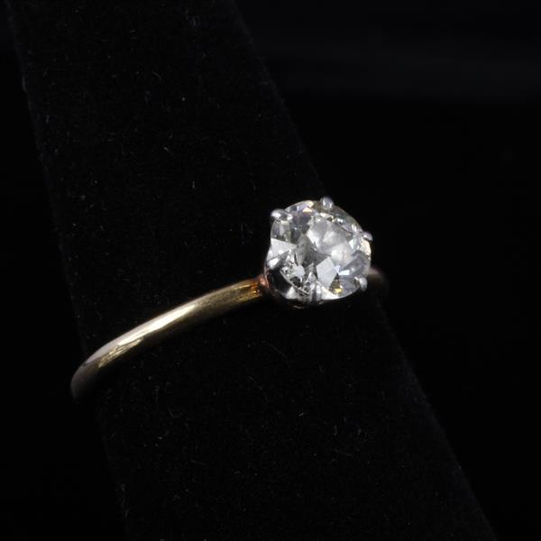 Solitaire Diamond Engagement Ring approx. 77 points.