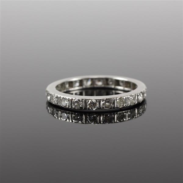 Platinum Diamond Eternity Band / Ring