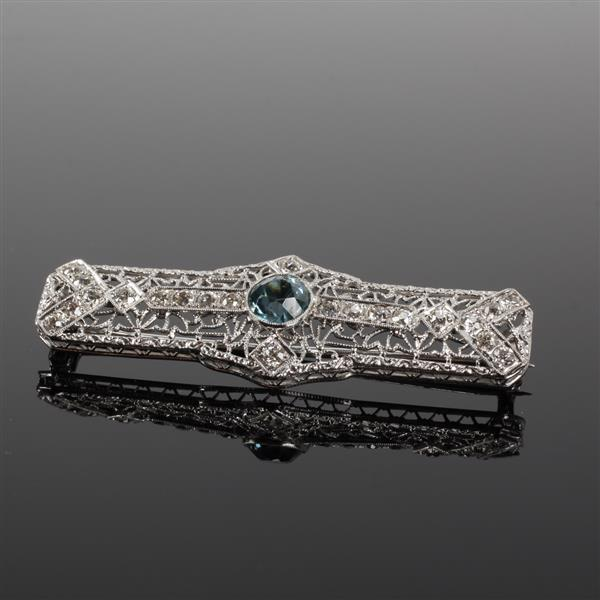 Art Deco White Gold 14K Filigree Diamond and Blue Zircon Natural Stone Brooch Pin