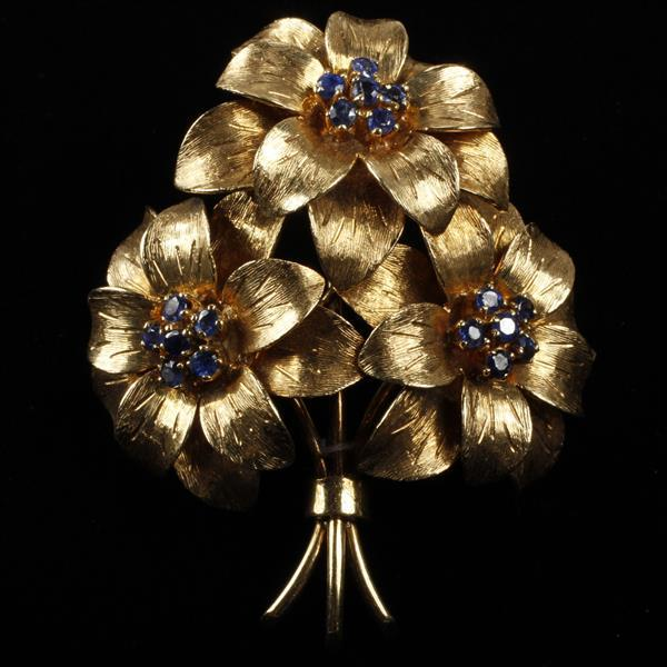 Tiffany & Co. yellow gold 18K sapphire layered flower bouquet pin brooch, Italy; Circa 1950''s.