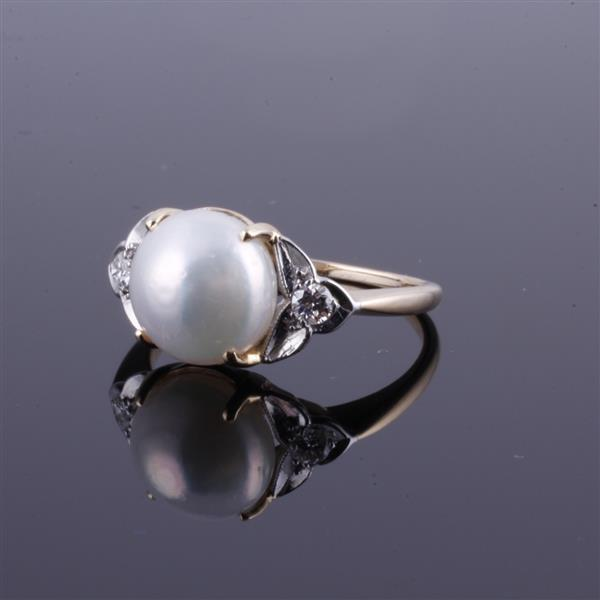 White and Yellow 14K Gold NATURAL 9mm Pearl and Diamond Ring.