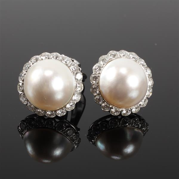 White Gold 14K Mabe Pearl and quality diamond clip earrings. 1/2