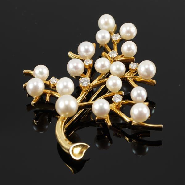 Vintage Yellow Gold 14K Pearl and Diamond Flowering Branch Tree Estate Pin Brooch. 2 1/2