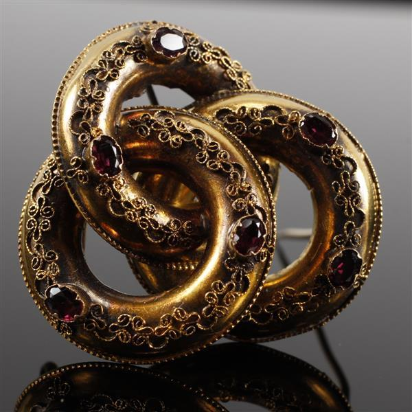 Antique Victorian unmarked 14K gold and natural oval rubies interlocking circles brooch / pin with applied filigree. 2