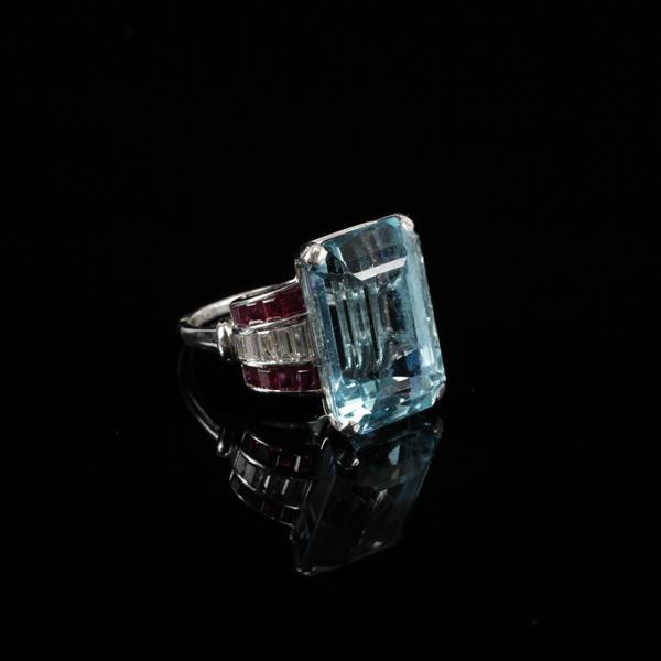White Gold 18K 20.30ct Aquamarine Diamond and Natural Ruby Retro Estate Ring. Size 8