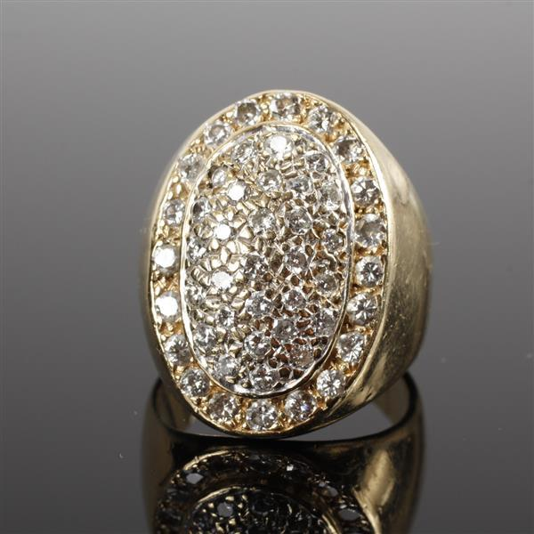 Yellow Gold 14K unmarked Pave Diamond Estate Ring