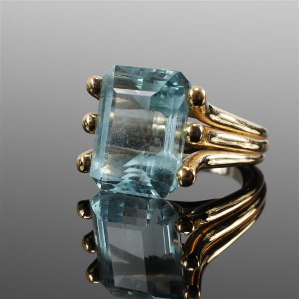 Tiffany & Co, attributed, 14K Yellow Gold with 13.30ct Aquamarine ring.