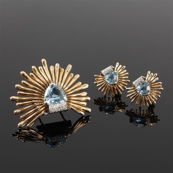 Tiffany & Co, attributed, 2pc. Trillion Cut Aquamarine Set; 14k Yellow Gold Retro Spray Fur Clip & Clip Earrings