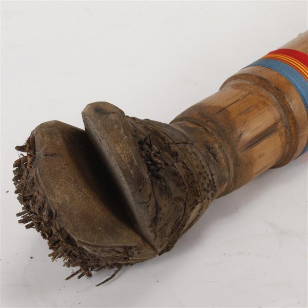 how to use an aborigional rain stick
