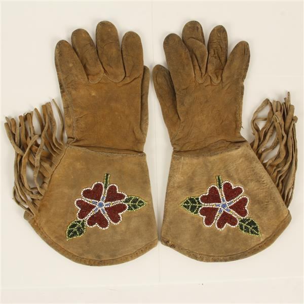 Nez Perce Native American Indian flora beaded floral, fringed leather gauntlets typical of Rodeo/Wild West shows, c. 1900-1910.