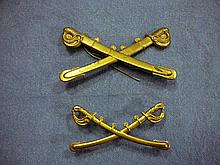 PAIR OF EARLY US ARMY CROSSED SWORDS CAVALRY HAT INSIGNIA