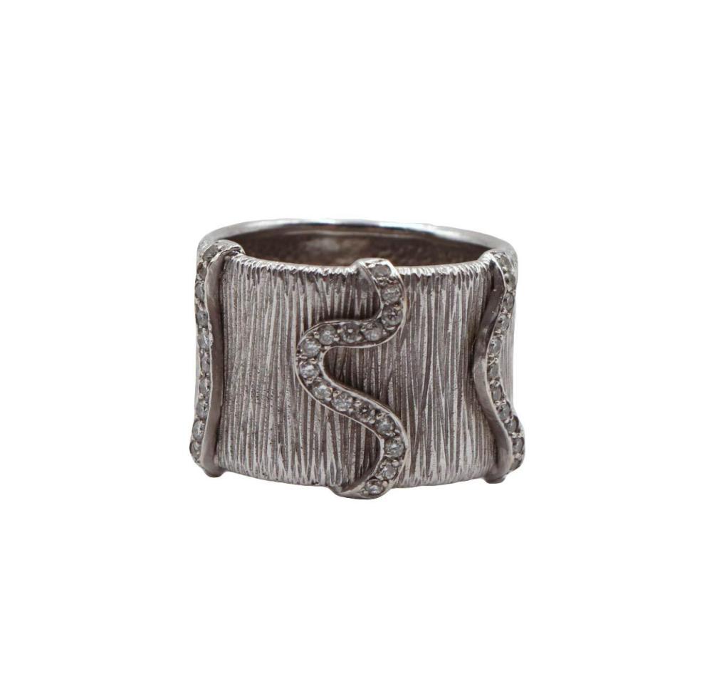 18Kt White Gold & Diamond Ring